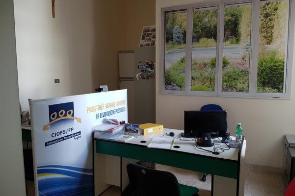 Desk e finestre simulate